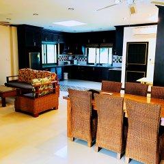 Отель Thai Family Rawai Pool Villa интерьер отеля