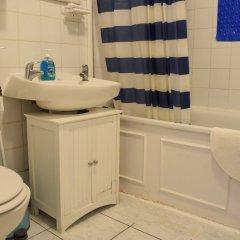 Отель 2 Bedroom Flat In Earlsfield Великобритания, Лондон - отзывы, цены и фото номеров - забронировать отель 2 Bedroom Flat In Earlsfield онлайн ванная