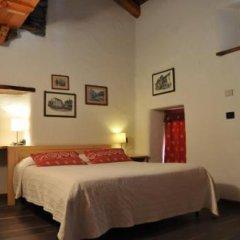 Отель Comme Chez Soi Сен-Кристоф сейф в номере