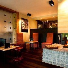 Hotel Alpine Lodge гостиничный бар