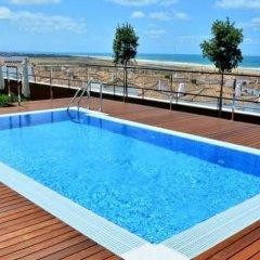 Отель Conilsol Hotel y Aptos Испания, Кониль-де-ла-Фронтера - отзывы, цены и фото номеров - забронировать отель Conilsol Hotel y Aptos онлайн бассейн фото 3