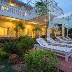 Отель Blue Paradise Resort бассейн