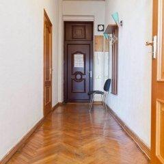 Апартаменты LUXKV Apartment on Gnezdnikovskiy интерьер отеля