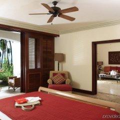 Отель La Pirogue A Sun Resort комната для гостей фото 4