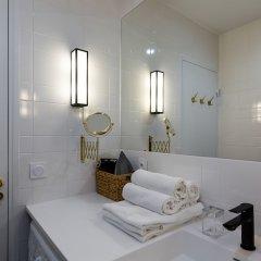 Отель Luxury 2 Bedroom With AC - Louvre & Champs Elysees Париж ванная