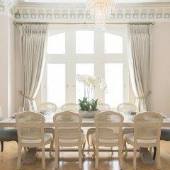 Апартаменты The Luxe Whitehall Duplex Apartment