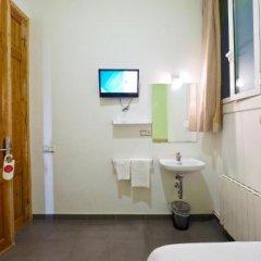 Отель Pensión Peiró Испания, Барселона - 1 отзыв об отеле, цены и фото номеров - забронировать отель Pensión Peiró онлайн ванная