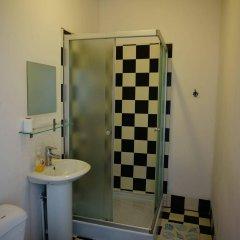 Отель Budget Central Литва, Вильнюс - отзывы, цены и фото номеров - забронировать отель Budget Central онлайн ванная
