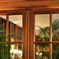Отель L'Echiquier Opéra Paris MGallery by Sofitel Франция, Париж - 8 отзывов об отеле, цены и фото номеров - забронировать отель L'Echiquier Opéra Paris MGallery by Sofitel онлайн балкон