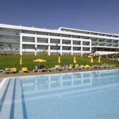 Отель Luna Alvor Village бассейн