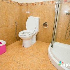 Отель UI Inn Мальдивы, Хулхумале - 1 отзыв об отеле, цены и фото номеров - забронировать отель UI Inn онлайн ванная фото 2