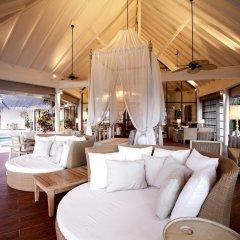 Отель Centara Grand Island Resort & Spa Maldives All Inclusive интерьер отеля