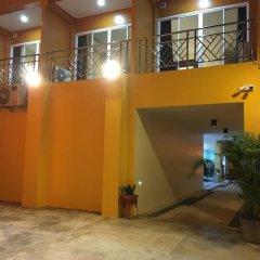 Отель Baan Wanchart Bangkok Residences Бангкок парковка