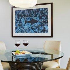 Ilikai Hotel & Luxury Suites интерьер отеля фото 3