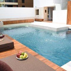 Отель Two Three Mansion Бангкок бассейн