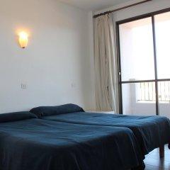 Отель Apartaments La Perla Negra комната для гостей