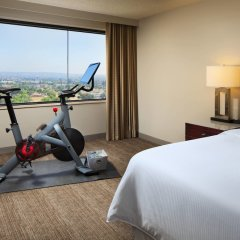 Отель The Westin Los Angeles Airport фитнесс-зал фото 3