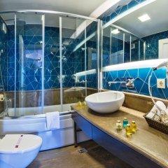 Agora Life Hotel ванная
