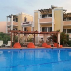Отель Irides Luxury Studios & Apartments Греция, Эгина - отзывы, цены и фото номеров - забронировать отель Irides Luxury Studios & Apartments онлайн бассейн