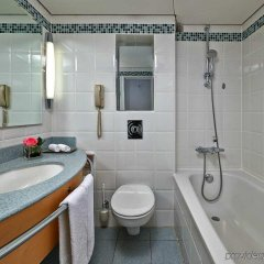 Отель Hilton Düsseldorf ванная фото 2