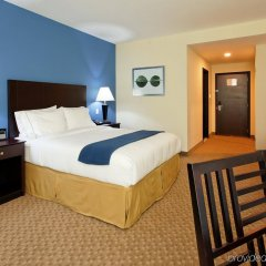 Отель Holiday Inn Express San Pedro Sula комната для гостей фото 5