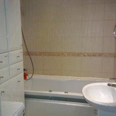 Отель Apartamenti na Kronvekskom Санкт-Петербург ванная