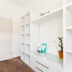 Апартаменты Charming Two-Bedroom Apartment Next To The Emmaus Abbey Прага удобства в номере фото 2