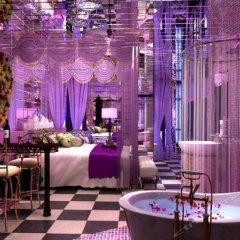 Ainawu Fashion Theme Hotel развлечения