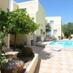 Отель Esperides Maisonettes Греция, Эгина - отзывы, цены и фото номеров - забронировать отель Esperides Maisonettes онлайн бассейн фото 2