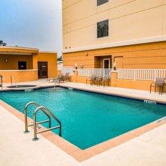 Отель Comfort Suites Lake City Лейк-Сити бассейн фото 2