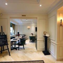 Queens Hotel интерьер отеля