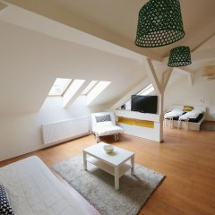Апартаменты Dfive Apartments - Aranykez комната для гостей фото 3