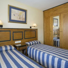 Отель Pyr Fuengirola Испания, Фуэнхирола - 1 отзыв об отеле, цены и фото номеров - забронировать отель Pyr Fuengirola онлайн сейф в номере