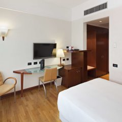 Отель NH Milano Machiavelli Италия, Милан - 3 отзыва об отеле, цены и фото номеров - забронировать отель NH Milano Machiavelli онлайн комната для гостей фото 3