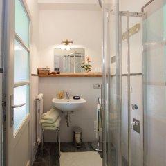Отель B&B - I Corni Di Nibbio Италия, Вилладоссола - отзывы, цены и фото номеров - забронировать отель B&B - I Corni Di Nibbio онлайн ванная