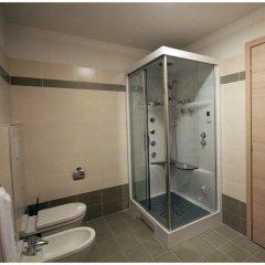 Отель Residence Boschetti Манерба-дель-Гарда ванная