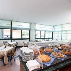Отель Emilia Италия, Римини - отзывы, цены и фото номеров - забронировать отель Emilia онлайн питание фото 4