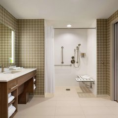 Отель Home2 Suites by Hilton Frederick ванная фото 2