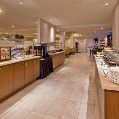 Отель Holiday Inn Vancouver Centre Канада, Ванкувер - отзывы, цены и фото номеров - забронировать отель Holiday Inn Vancouver Centre онлайн питание фото 2