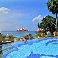 Отель Baan Karon Hill Phuket Resort бассейн
