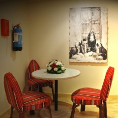 Отель Al Liwan Suites в номере