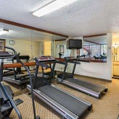 Отель Clarion Inn I-10 East at Beltway фитнесс-зал