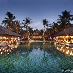 Отель InterContinental Bali Resort бассейн