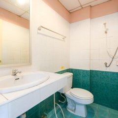 Отель OYO 348 Saithong Place На Чом Тхиан ванная
