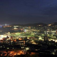 Отель Enjoy The Night View Of Nagasaki And Shippoku Cuisine | Nissho Cans New Wing Baishokaku Нагасаки балкон