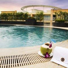 Golden Pearl Hotel Бангкок бассейн фото 3