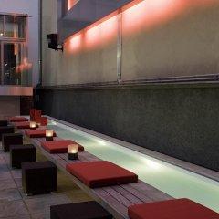 Отель The Levante Parliament бассейн