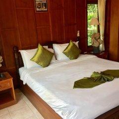 Отель Baan Laem Noi Villas сейф в номере