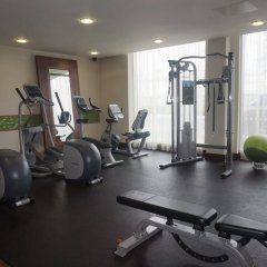 Отель Hampton by Hilton Luton Airport фитнесс-зал фото 2