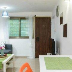 NHE Perfectly Located Apartment TLV Израиль, Тель-Авив - отзывы, цены и фото номеров - забронировать отель NHE Perfectly Located Apartment TLV онлайн комната для гостей фото 3